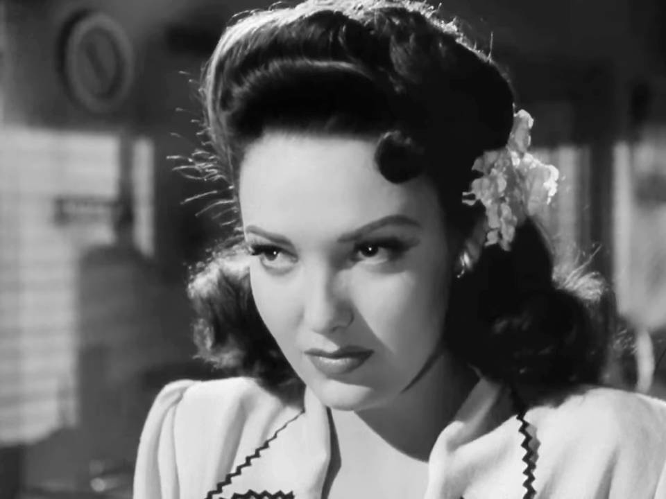 Close-up of Stella (Linda Darnell)