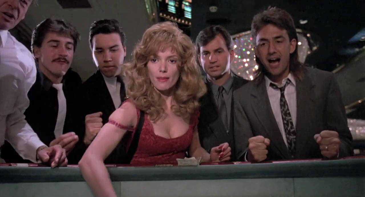 Joanne Walley-Kilmer as Fay Forrester at the craps table in Kill Me Again